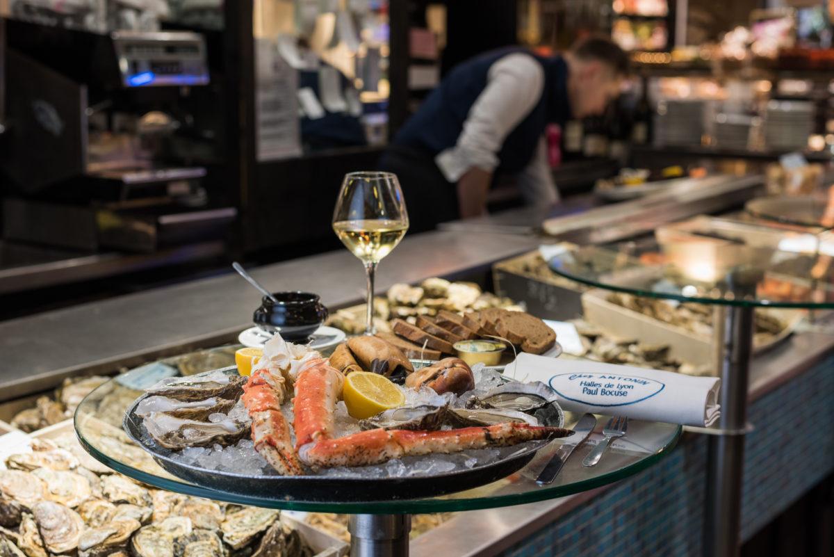 シーフードプラッター - タラバガニと生牡蠣